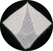 Down shawl 115x95x95 sm (K216)